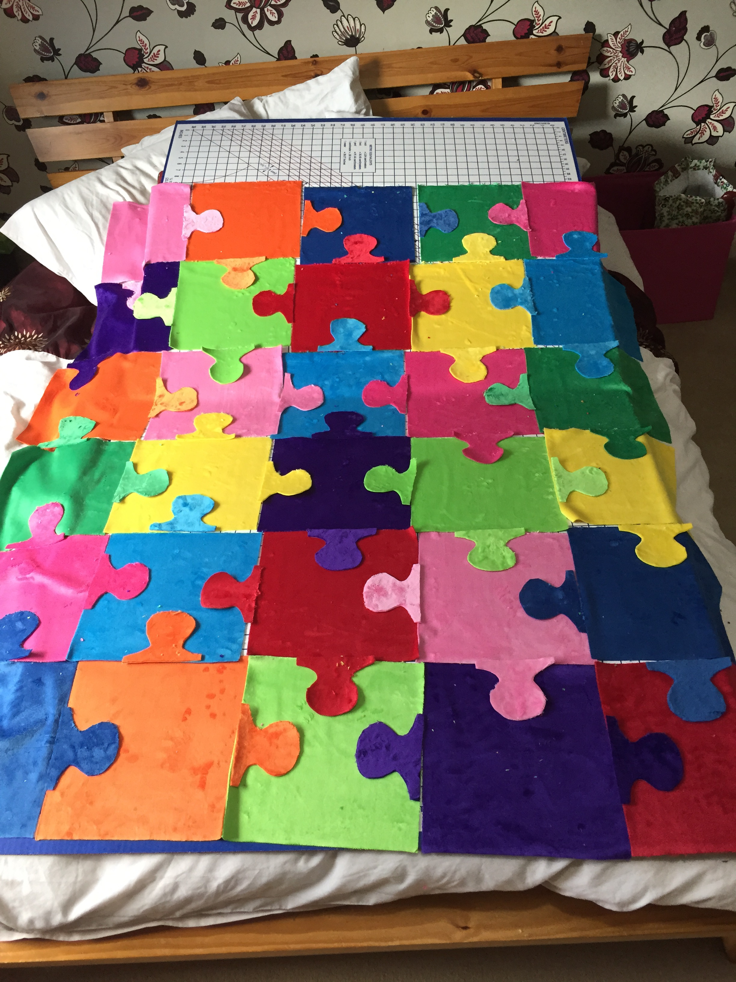 Cuddle Puzzle Quilt: Pieces By Polly